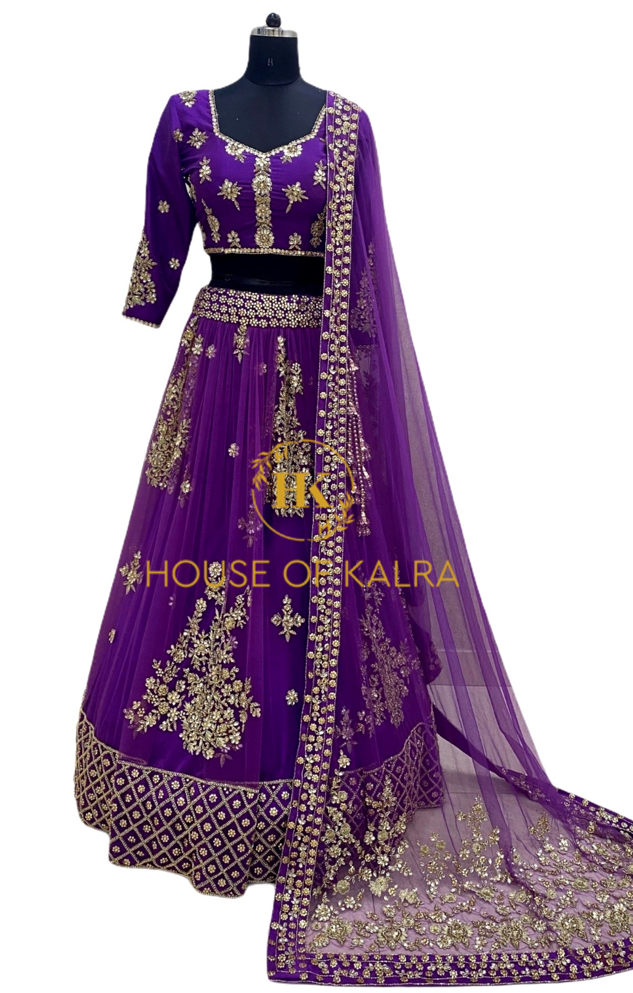 Buy Indian lehnga online from house of kalra