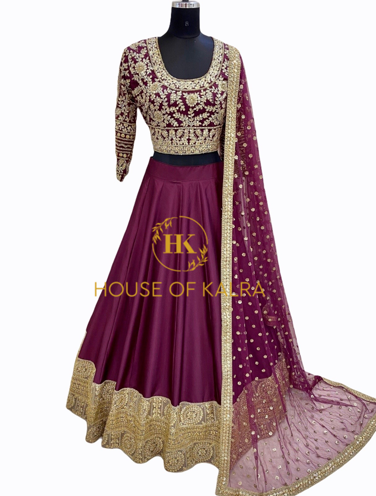 Purchase indian wedding lehnga online at House of kalra