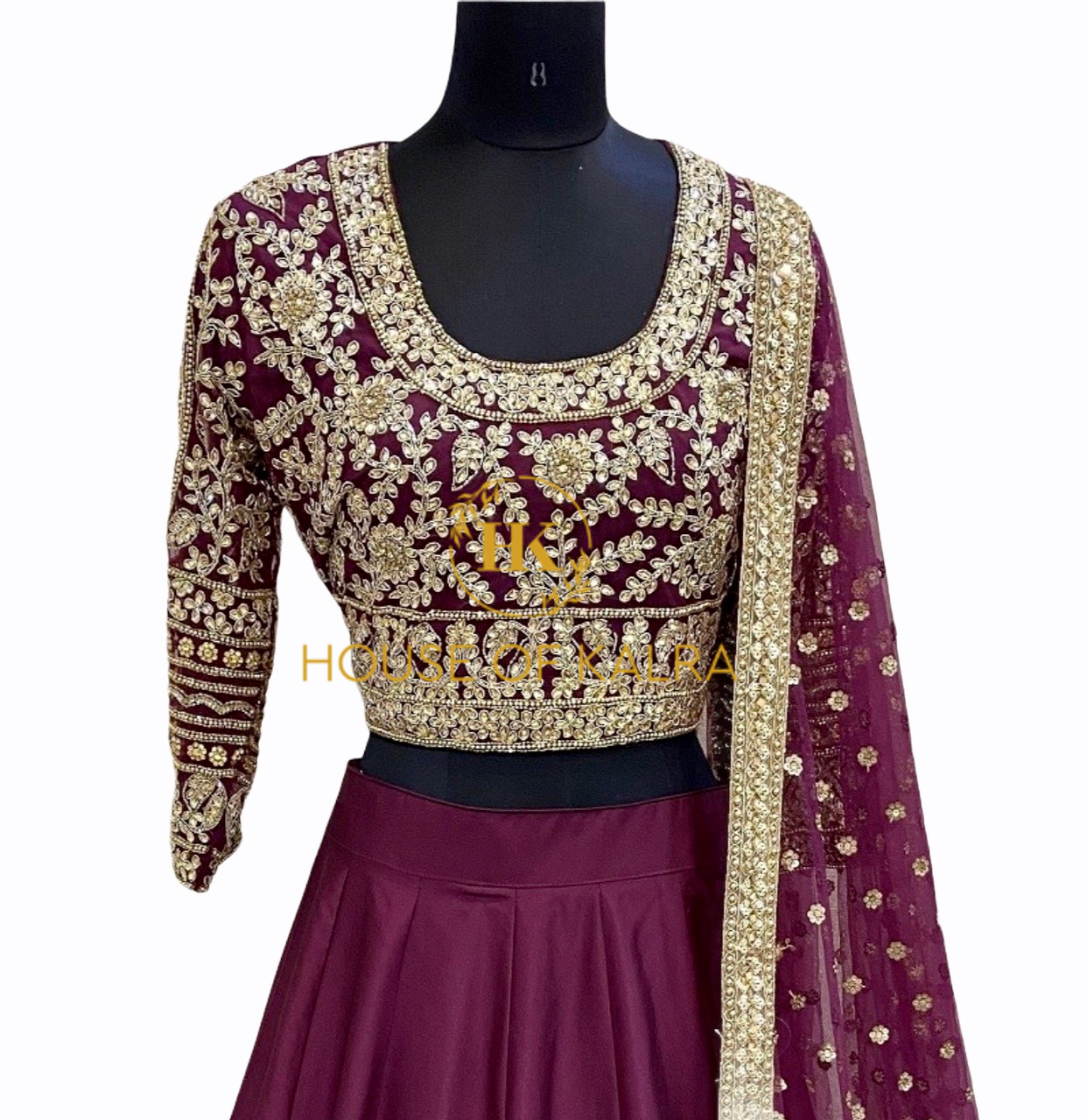Latest designer indian wedding lehnga and dresses online